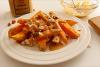 VIDEO: Sladek krompir s polivko iz arašidovega masla