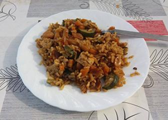 Rižoto s kikirikijem, tikvicama i piletinom