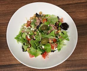 Salata s tunom i slanutkom