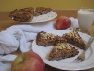 Enostaven jabolčno cimetov kolač