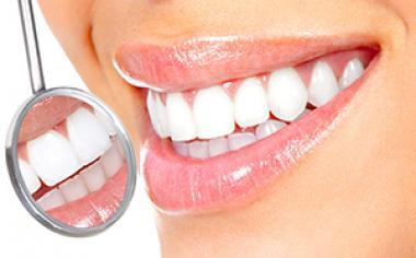 8 napak, ki jih delamo vsi ko gre za skrb naših zob
