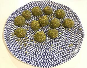Matcha kuglice s pistacijama