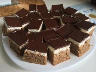 Schokoladen-Kokoskuchen aus Dinkelmehl