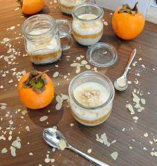 Kakipflaume-Gläser zum Frühstück
