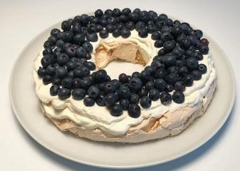 Torta Pavlova (brez glutena)