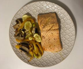 Losos iz pećnice s povrćem