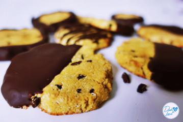 Zuckerfreie Kokos-Schokoladen Kekse
