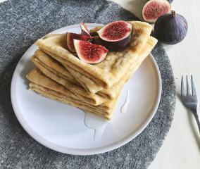 Pirine palačinke z mandljevim maslom