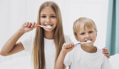 Kako negovati mlečne zobe