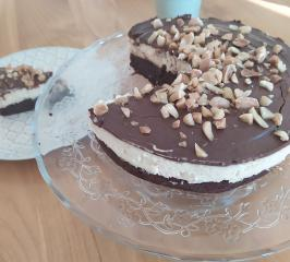 Gesunde Snickers Torte