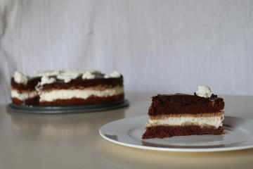 Zdrava čokoladno - bananina torta
