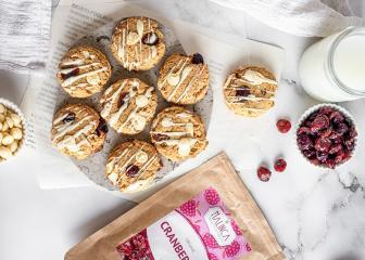 Mehlfreie Cranberry Cookies mit weißer Schokolade