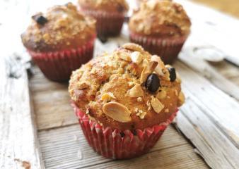 Erdnuss-Muffins mit Zartbitterschokolade