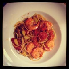 Špageti z zelenjavo in kozicami