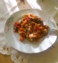 Kvinoja sa povrćem i tunom