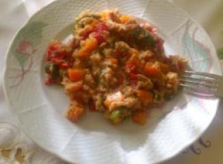 Kvinoja z zelenjavo ter tuno