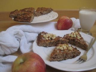 Jednostavan jabučno cimetov kolač