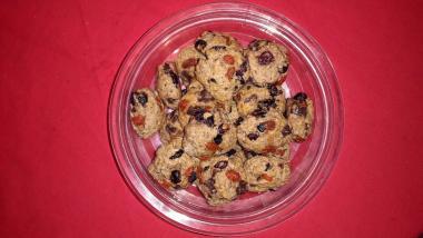 Ovseni piškoti z brusnicami in goji jagodami