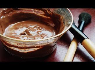 Čokoladna maska za obraz