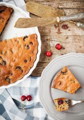 Češnjeva pita brez laktoze in rafiniranega sladkorja