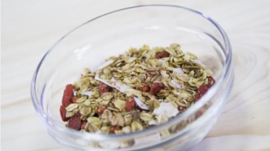 VIDEO: Domača granola kokos