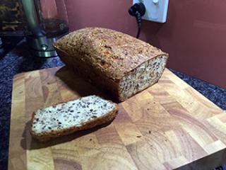 LCHF kruh brez glutena