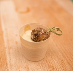 Presna kroglica z vanilijevo kremo