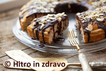 Lahek marmorni kolač brez glutena in laktoze