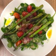 Salata sa šparogama i tunjevinom
