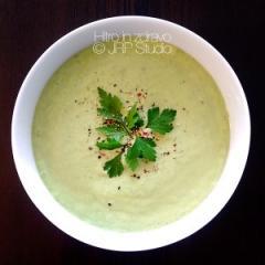 Hladna juha od krastavaca s avokadom