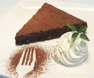 Čokoladna torta z lešniki
