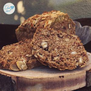 Mandljev - pirin kruh brez kvasa