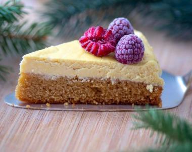 Biskvitni cheese cake