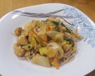 Chop suey z rezanci