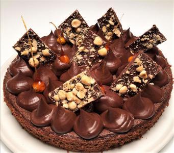 Čokoladna torta (brez glutena in z eritritolom)