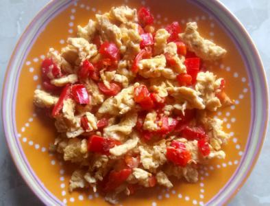 Umešana jajčka s papriko