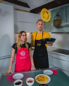 Dinkelpfannkuchen mit Schoko- und Erdbeeraufstrich