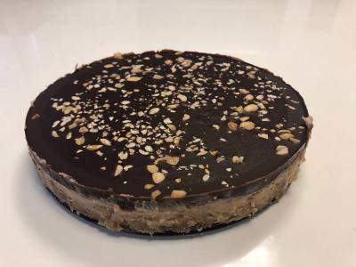 Enostavna arašidova torta, brez peke
