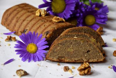 Ajdov kolač z orehi
