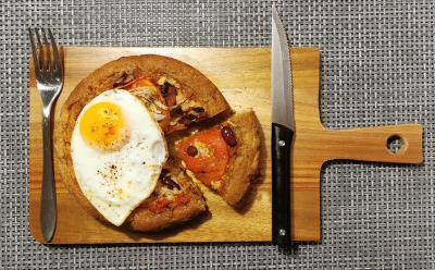 Pirina polnozrnata pica brez kvasa