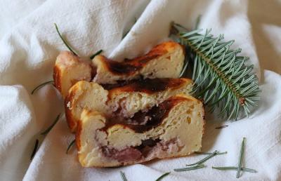 Hiter proteinski biskvit z gozdnimi sadeži