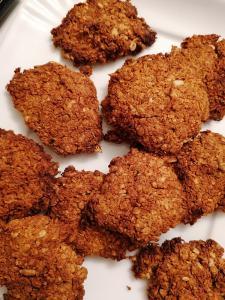 Slastni ovseni piškotki s kokosom in semeni