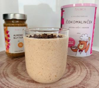 Mandel-Bananen-Shake mit Kakao Porridge