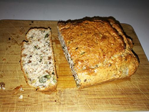 Kruh bogat z maščobami in beljakovinami