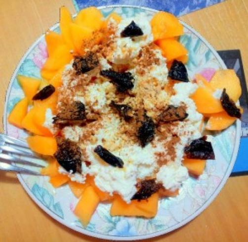 Skuta s sadjem in semeni