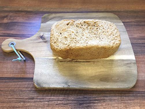 Kamutov kruh iz avtomata