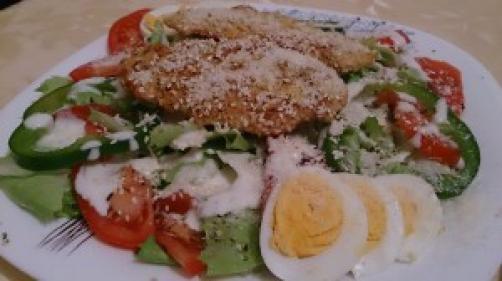 Salata s piletinom i jajem