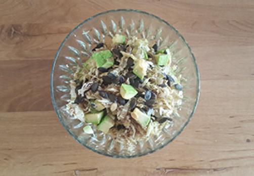 Zeljna solata z avokadom