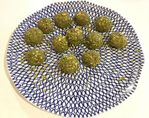 Matcha kroglice s pistacijami