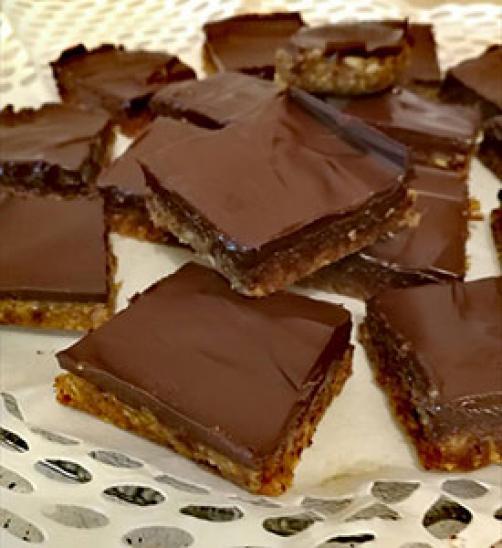 Čokoladno datljeve ploščice iz 3 sestavin